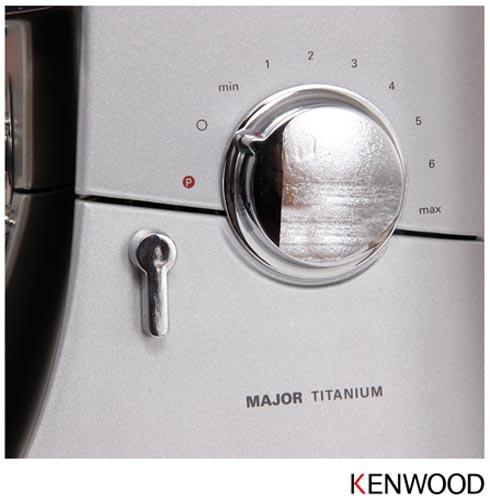 Batedeira Major Titanium Kenwood com 05 Velocidades e 03 Batedores - KM020, 110V, 220V, Prata, 12 meses, Kenwood, 110V - 800 W e 220V - 1500 W