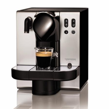 Máquina de Café Espresso Automática Nespresso, 110V